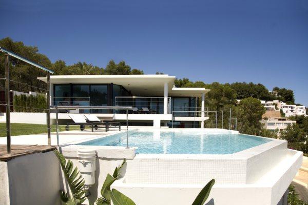 pour ceux qui r vent de fortune en espagne les maisons grand luxe attirent. Black Bedroom Furniture Sets. Home Design Ideas
