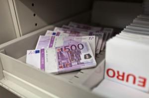 Arrêté avec 1,8 million d'euros dans le train Zurich-Paris topelement1-300x199